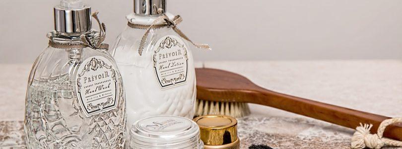 Produits cosmétiques et accessoires
