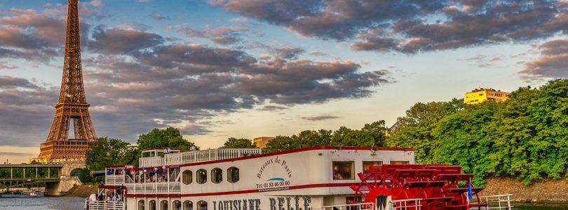 Des professionnels de la location de bateaux et de l'événementiel à Paris