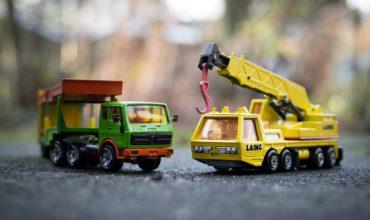 Offrir un camion miniature à son enfant: une bonne idée?