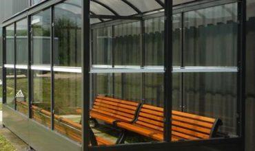 Aloès Red : spécialiste de la construction d'abris pour fumeurs